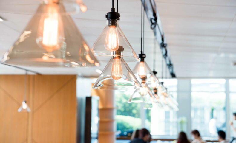 オフィス照明はどうリサイクルする?おすすめショップ案内